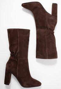 Lola Cruz - Vysoká obuv - marron - 3