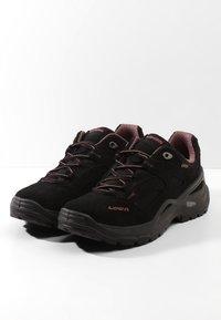 Lowa - SIRKOS GTX - Hiking shoes - schwarz/rose - 2