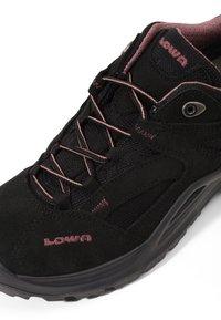 Lowa - SIRKOS GTX - Hiking shoes - schwarz/rose - 5