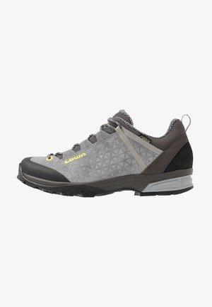 SASSA GTX LO - Hiking shoes - grau/mint