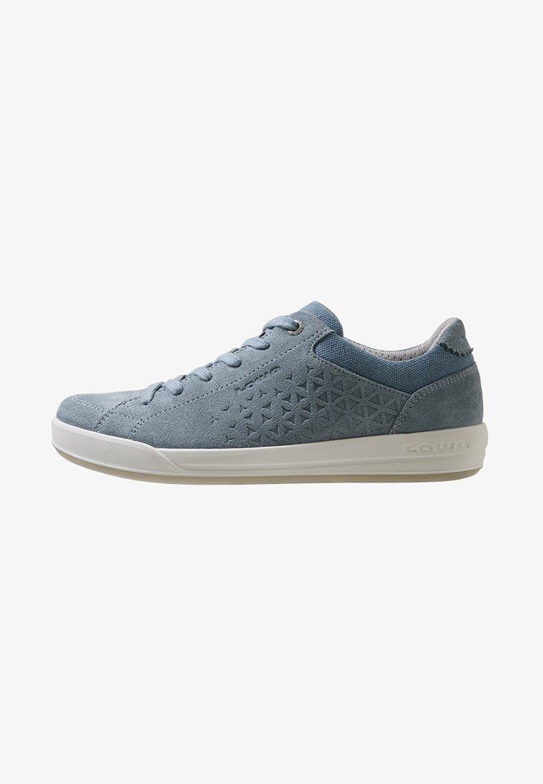 Lowa - LISBOA LO  - Sneakersy niskie - eisblau