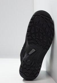 Lowa - TAURUS II GTX MID - Hiking shoes - black - 4