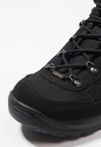 Lowa - TAURUS II GTX MID - Hiking shoes - black - 5
