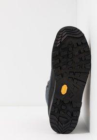 Lowa - LADY III GTX - Hiking shoes - navy - 4