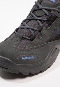 Lowa - SIRKOS GTX - Hikingskor - grau/blau - 5