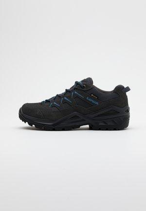 SIRKOS EVO GTX LO - Hikingsko - graphit/blau
