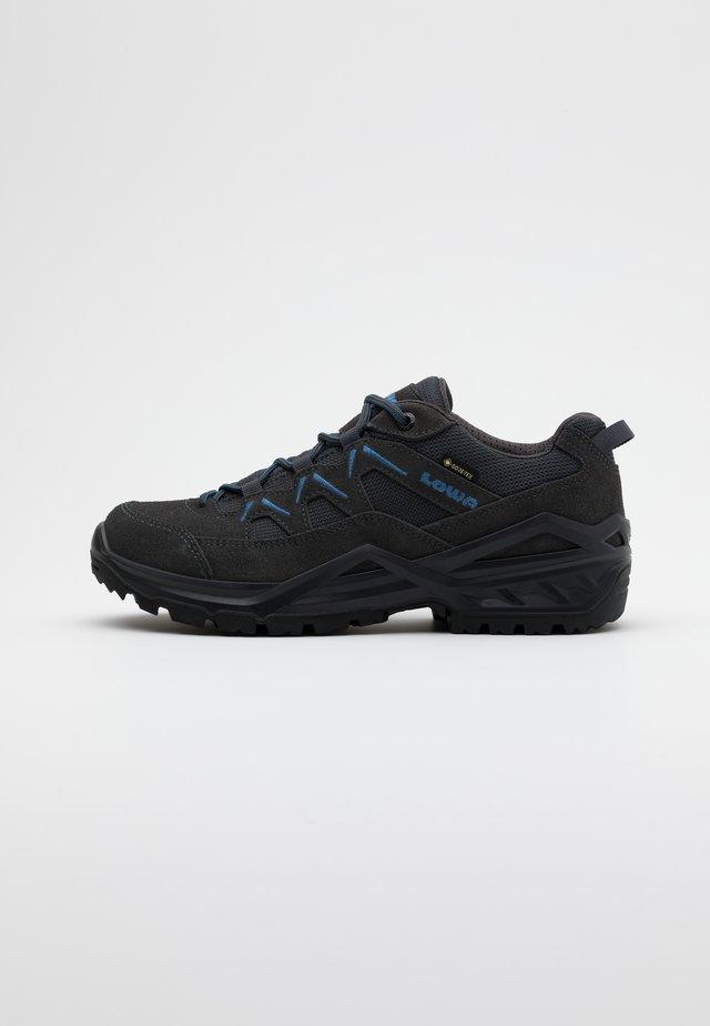 SIRKOS EVO GTX LO - Hiking shoes - graphit/blau