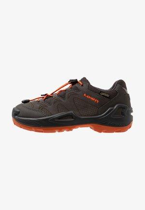 DIEGO GTX - Chaussures de marche - anthrazit/orange