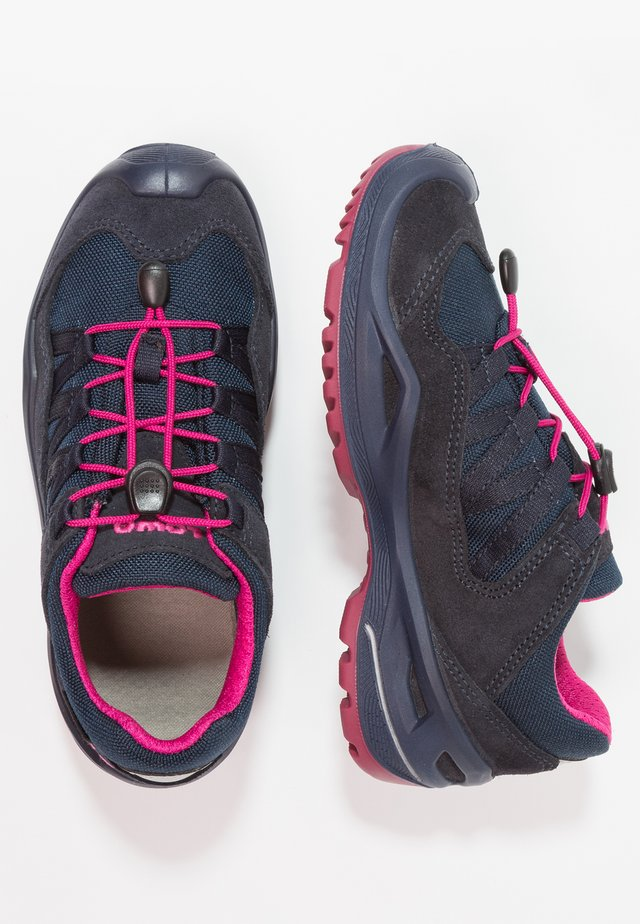 ROBINGTX LO - Hiking shoes - navy/beere
