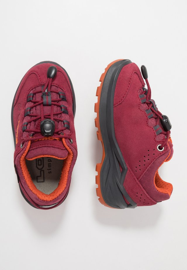 MARIE II GTX - Hiking shoes - beere/mandarine