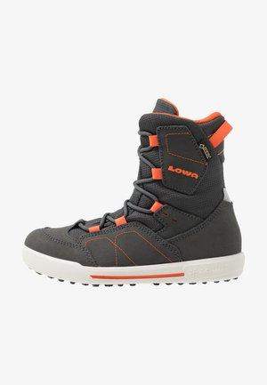 RAIK GTX - Zimní obuv - anthrazit/orange