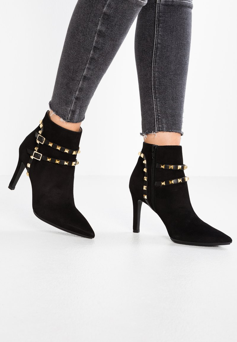 Lodi - RUGO - High Heel Stiefelette - nero/boston/oro
