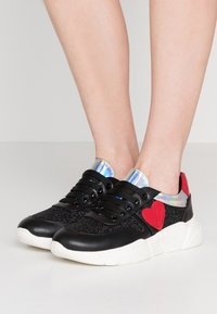 Love Moschino - Sneakers laag - black - 0