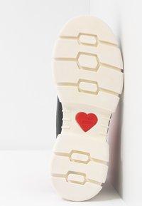 Love Moschino - Vysoké tenisky - red - 6