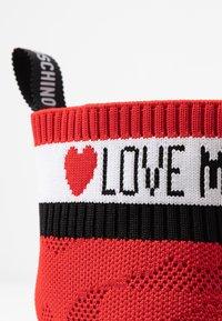 Love Moschino - Vysoké tenisky - red - 2