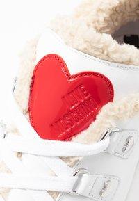Love Moschino - Sneakers laag - white - 2