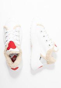 Love Moschino - Sneakers laag - white - 3
