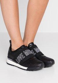 Love Moschino - Scarpe senza lacci - black - 0