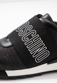 Love Moschino - Scarpe senza lacci - black - 2
