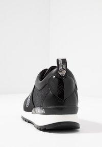 Love Moschino - Scarpe senza lacci - black - 5