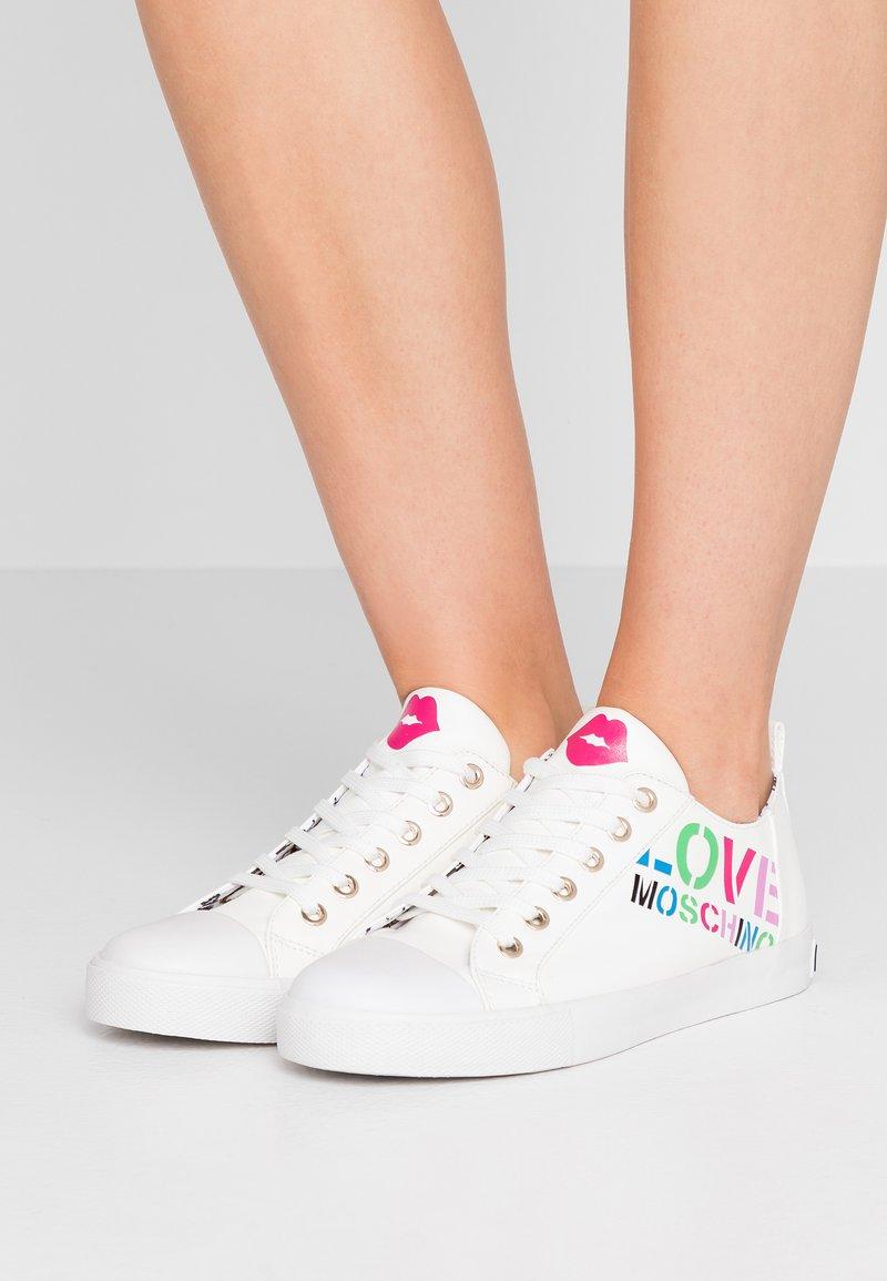 Love Moschino - Sneakers - white