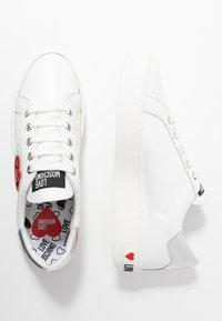 Love Moschino - Joggesko - white - 3