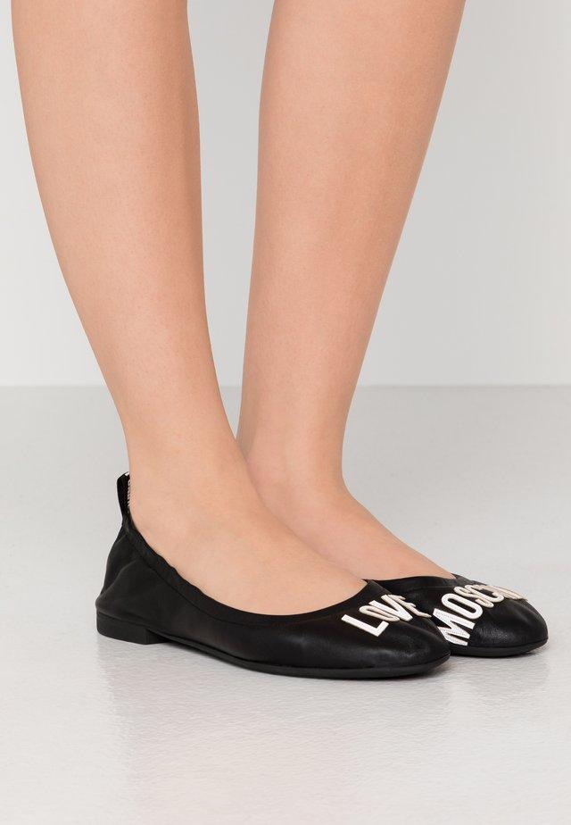 Klassischer  Ballerina - nero