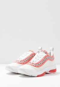 Love Moschino - Sneakers laag - white - 4
