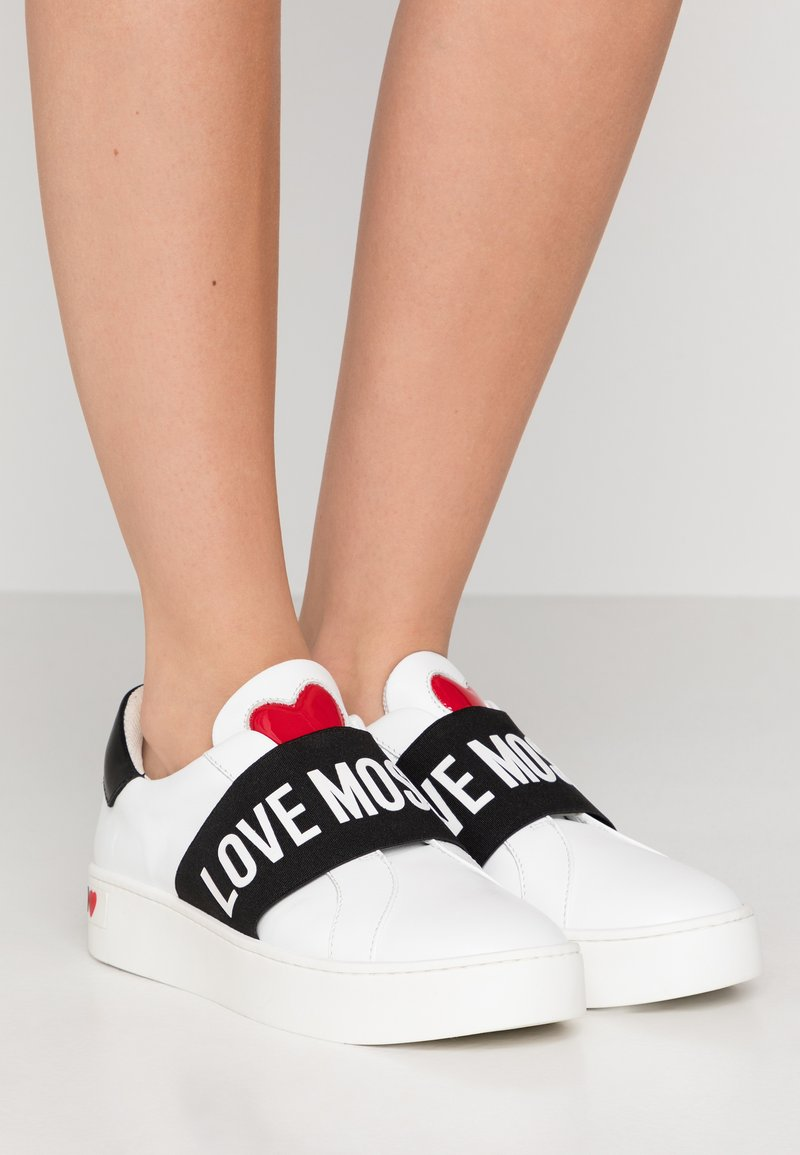 Love Moschino - Instappers - white/black