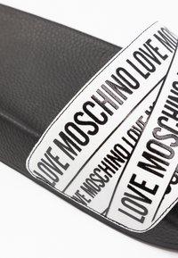 Love Moschino - Pantofle - white - 2
