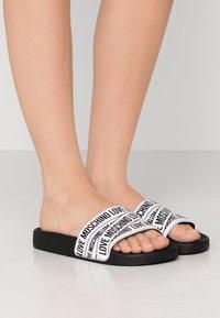 Love Moschino - Pantofle - white - 0