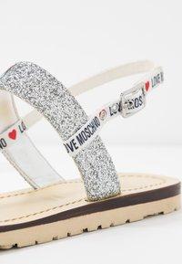 Love Moschino - Sandalen - argento - 2