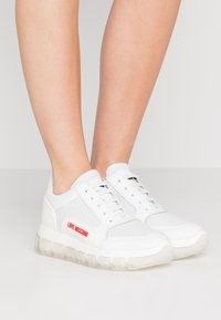 Love Moschino - Sneakers laag - bianco - 0