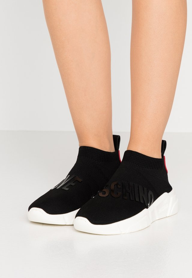 LOVE SOCKS - Høye joggesko - black