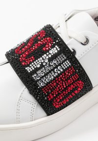 Love Moschino - STRASS BAND - Sneakers laag - white - 2