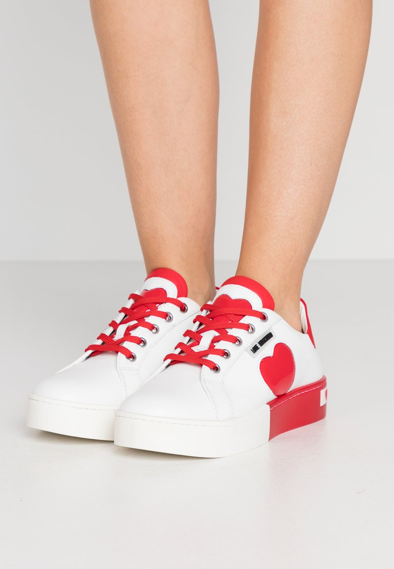 Love Moschino - Sneakers laag - bianco/rosso