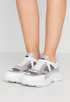 Sneakers laag - grigio/argento/bianco