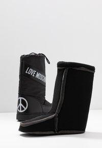 Love Moschino - Zimní obuv - black - 7