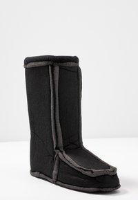 Love Moschino - Zimní obuv - offwhite - 7