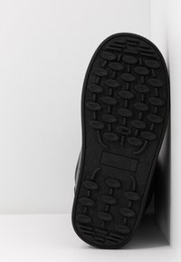 Love Moschino - KUSS - Zimní obuv - black - 6