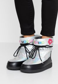 Love Moschino - KUSS - Winter boots - silver - 0