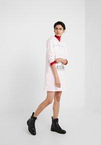 Love Moschino - Korte jurk - pink - 1