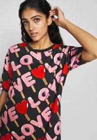 Love Moschino - Korte jurk - black - 3