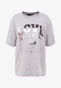 Love Moschino - T-shirts print - melange light gray - 3