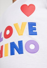 Love Moschino - Triko spotiskem - opitcal white - 5
