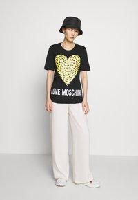 Love Moschino - T-shirt print - black - 1