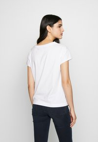 Love Moschino - T-shirt z nadrukiem - optical white - 2