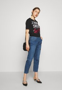 Love Moschino - Print T-shirt - black - 1