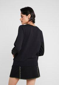 Love Moschino - LIP - Sweatshirt - black - 2