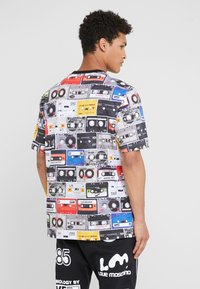 Love Moschino - CASETTE - Print T-shirt - multi-coloured - 2
